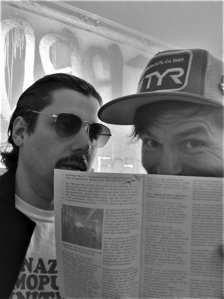 Petroschek Wulgarow verkauft Textur Magazin beim RapKreation Pop Up